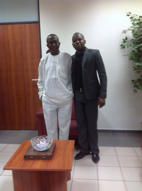 Jungle Journalist Blogger poses with Senate Leader